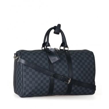 Le sac de voyage chez louis vuitton c est un véritable symbole il est  incontournable ! il est pratique pour transporter toutes vos affaires, ... 21a9a1309eb